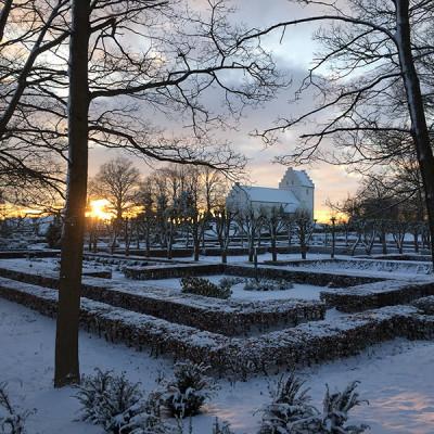 hvalsoe-kirke-sne-2016-small