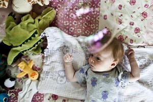 Babysalmesang-baby-gulv1