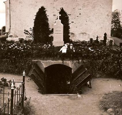 Hvalsø Kirkegård i 1900-tallet