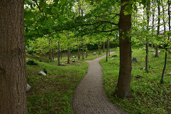 Skovkirkegård