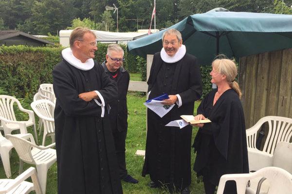 Præster til campinggudstjeneste