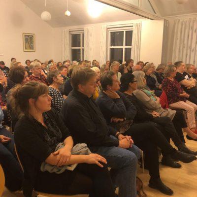 Billede fra foredrag med Leonora Christina Skov i Hvalsø Sognegård